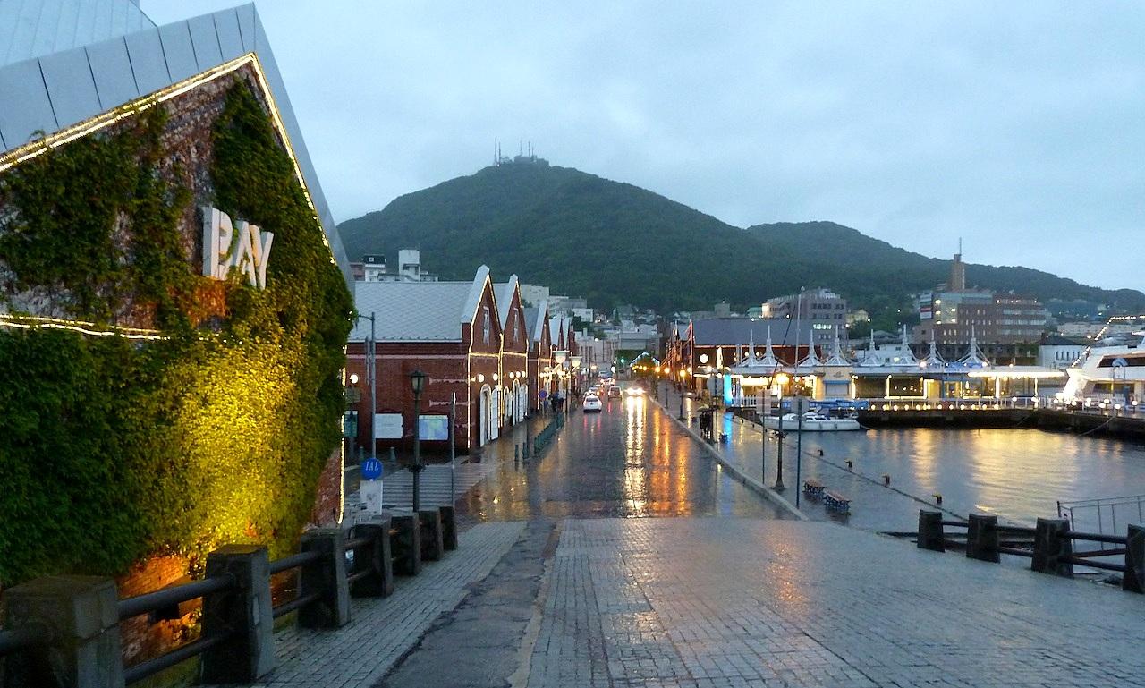 北海道の函館の観光旅行 金森赤レンガ倉庫郡