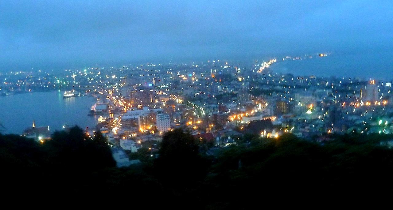 北海道の観光旅行 函館山の山頂からの夜景