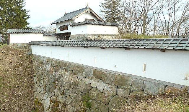 【東北旅行】花巻で温泉前に鳥谷ヶ崎城跡を観光!歴史と桜を感じるよ