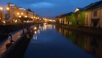 【北海道旅行】小樽の運河観光は昼も夜もおすすめ!日本銀行や旧手宮線跡も見学