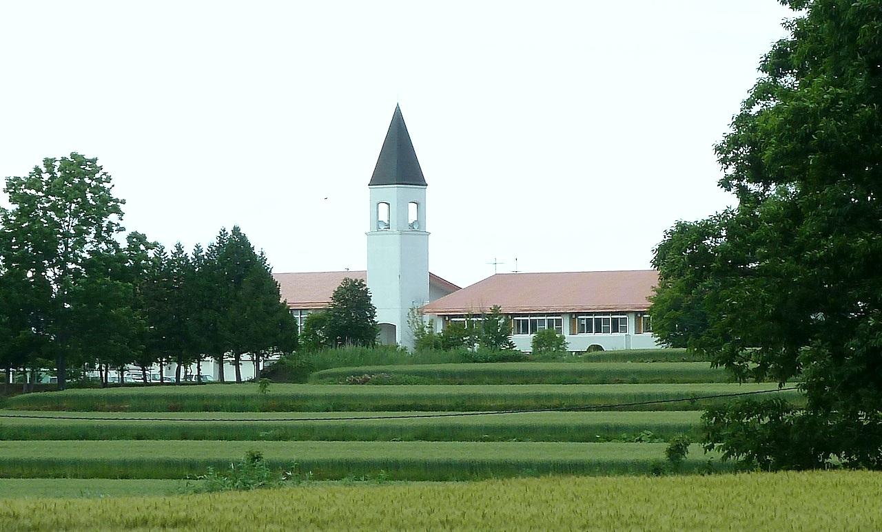 北海道の美瑛の観光旅行 美馬牛小学校
