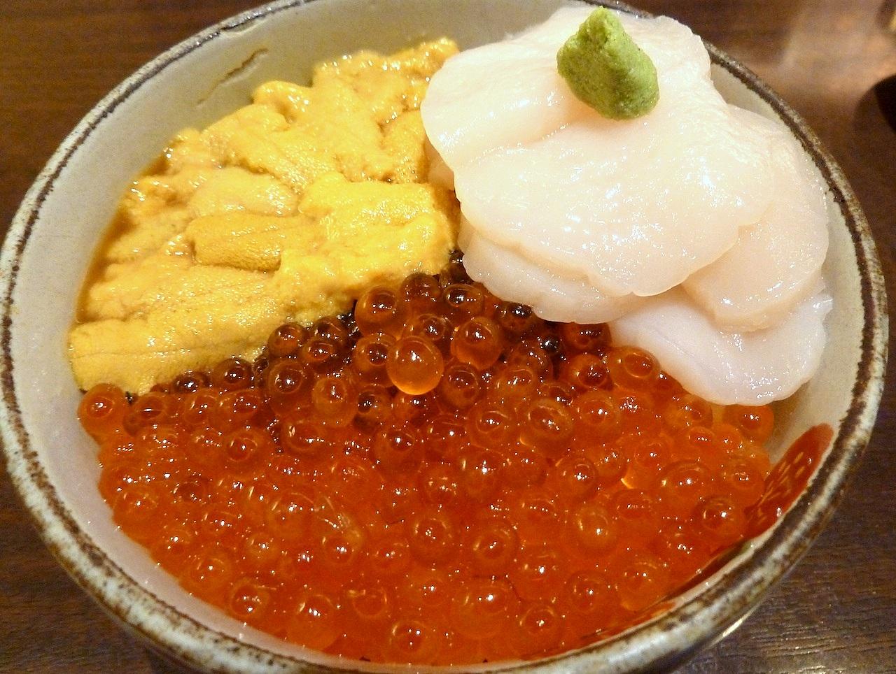 北海道の函館グルメ旅行 きくよ食堂の元祖三色巴丼
